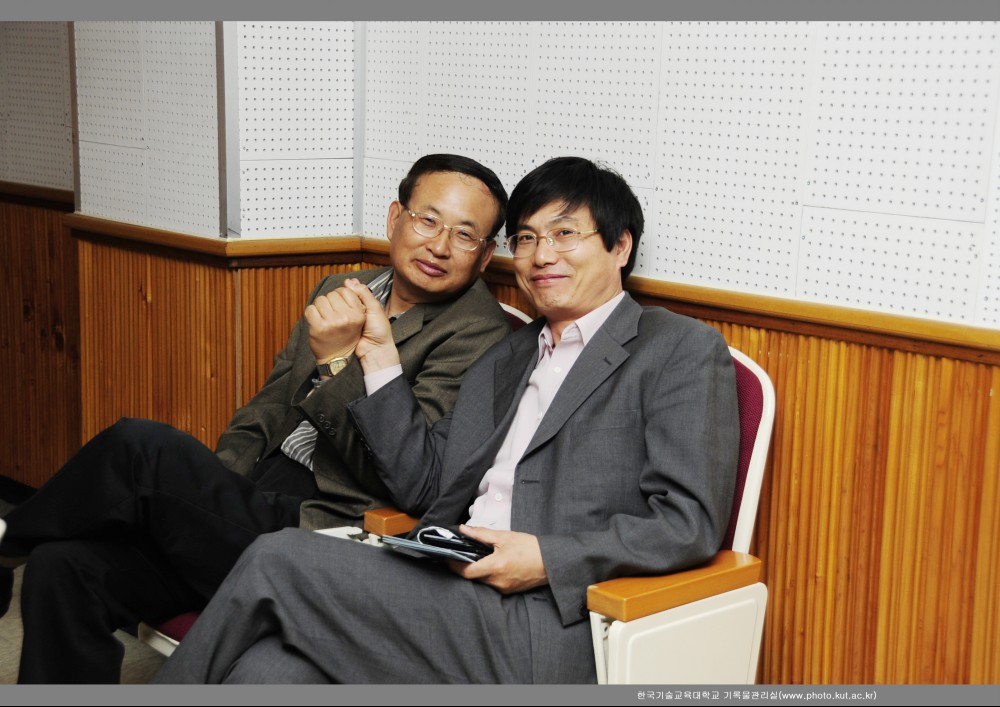 황운학, 김용석