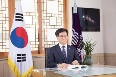 이성기 총장 프로필(사진)
