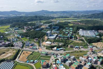 2021 KOREATECH 대학전경(정문)